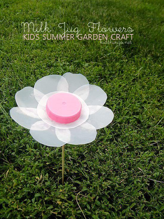 Milk Jug Flowers Summer Garden Craft #kids #summer #craft #garden