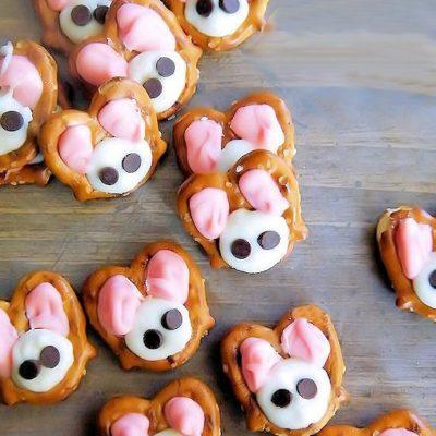 Easter Bunny Almond Bark Pretzels