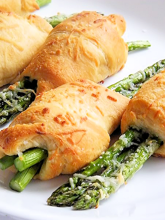 Asparagus Crescent Rollups #StouffersHoliday #ad