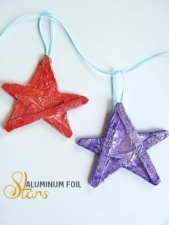 Aluminum Foil Stars Craft - great for holidays like 4th of July, Christmas