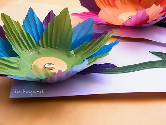 Cupcake Liner Flower Cards Craft - Summer craft or write a note on back for Mother's Day!