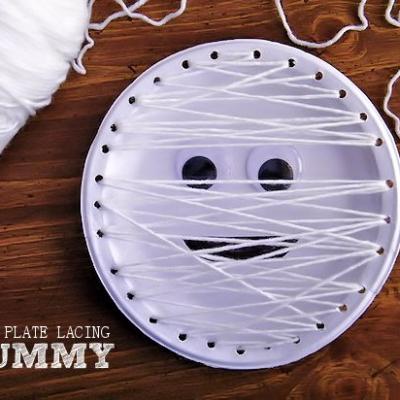 Mummy Paper Plate Lacing Craft