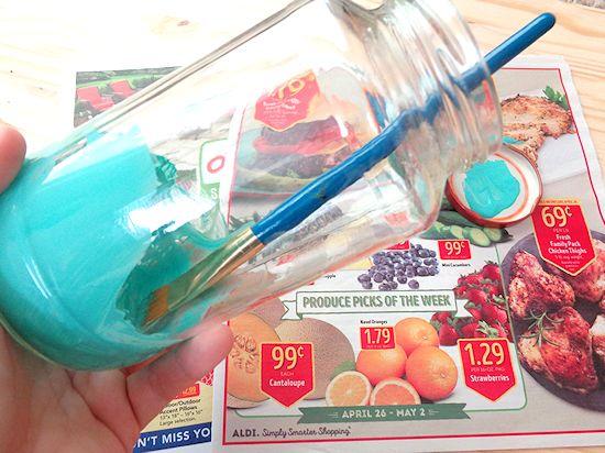 Egg Carton Butterflies Craft & DIY Mason Jar Mother's Day Vase Gift Idea #spring #kidscraft #mothersday #butterflies #eggcartoncraft