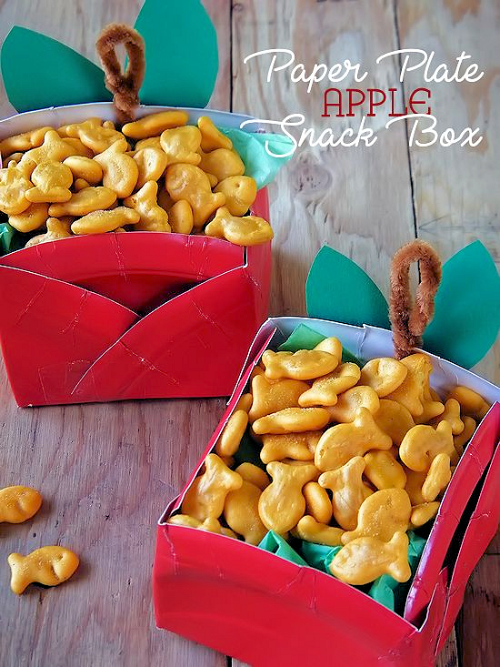 Apple Paper Plate Snack Boxes, Back to School, Snack Box, Teacher Gifts #GoldfishMoments (ad)