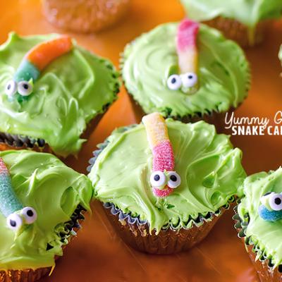 Yummy Gummy Snake Cakes