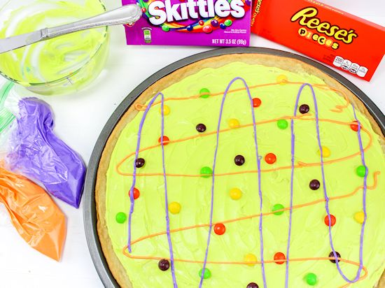 Halloween Candy Cookie Pizza Recipe