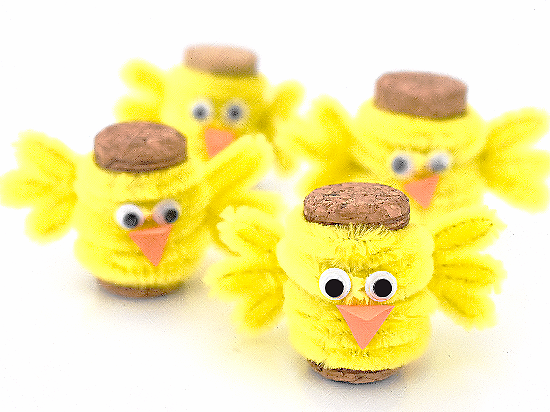 Fuzzy Pipe Cleaner and Cork Chick Craft #Easter #spring #chickcraft #corkcraft #kidscraft #kidcrafts